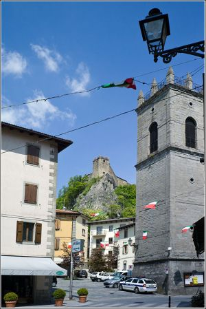 Sestola-tower-and-castle.jpg